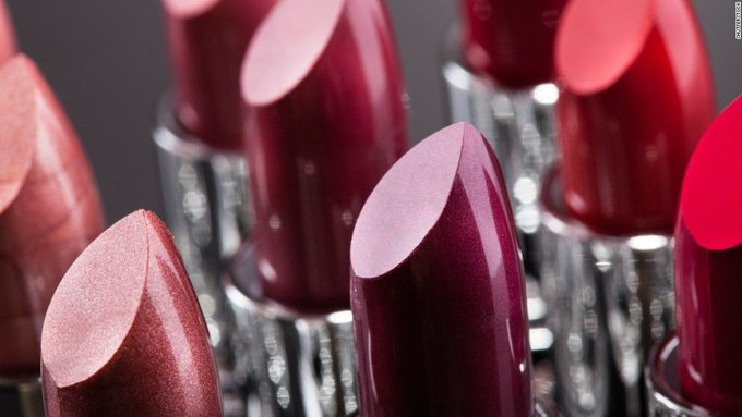 FDA suggests limit on lead in lipstick