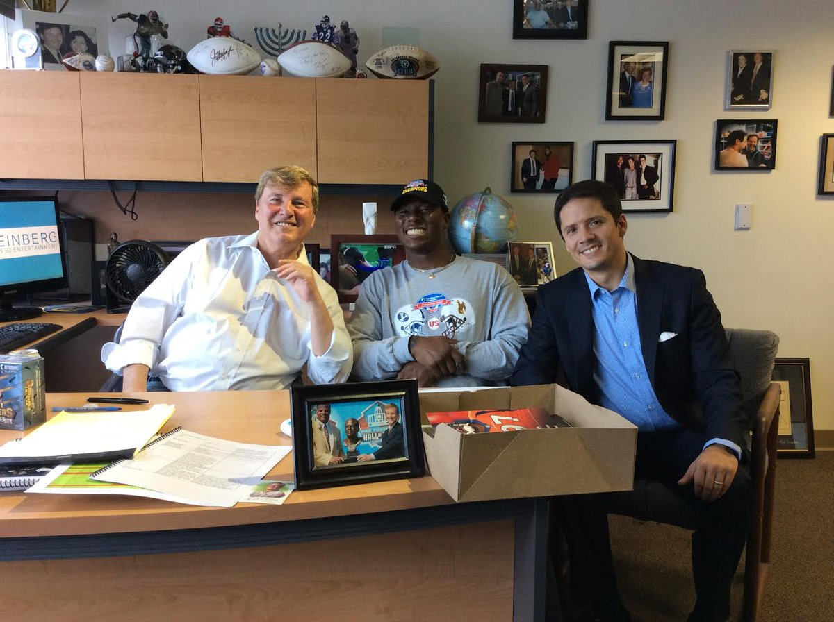 Leigh Steinberg On Twitter Excited To Announce Signing Of Talented Byu Rb Jamaal Williams Wonderful Family W Mom Nicolle Grandma Sister Jaela