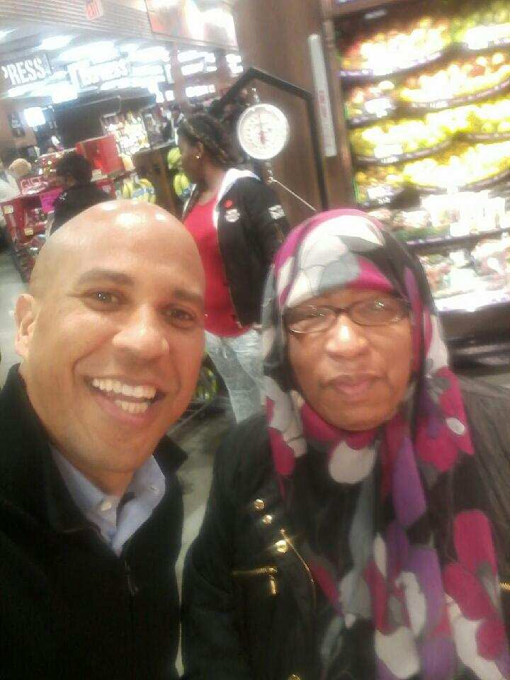 Thanks @CoryBooker for taking a pic with my mom at shoprite; made her night! *she doesn't even take pics with us