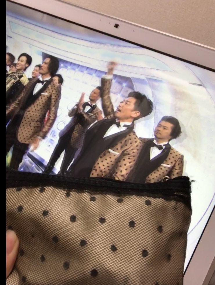 TOKIOの衣装がめっちゃわたしのポーチ https://t.co/3k0Ih96NZq