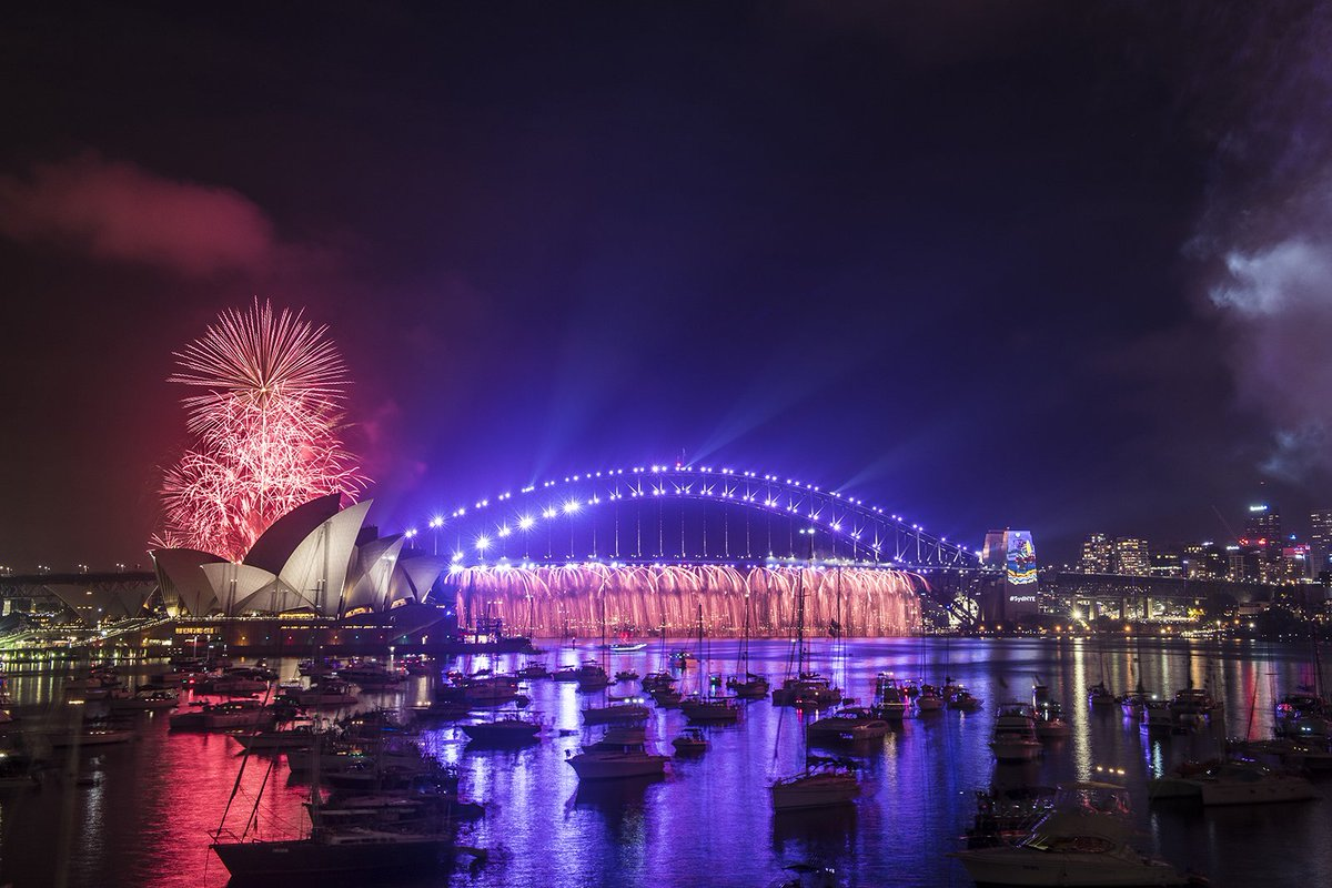Paying tribute to the late prince with purple rain #SydNYE https://t.co/xwkSd4NqlS
