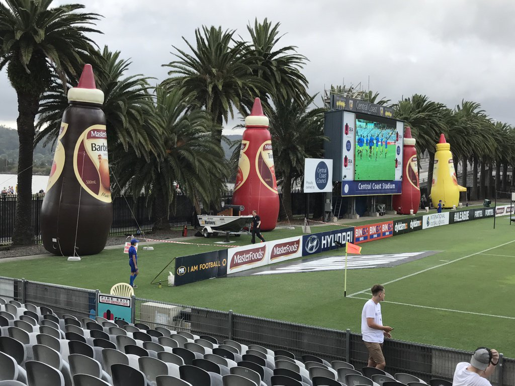 First time at Gosford. Definitely honoured to be in the presence of the sauce bottles. #CCMvMCY https://t.co/JiTnYWgIUv