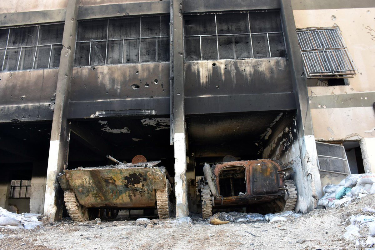 Aleppo: Rebels burned their armours (including T-62 from @FSA Tajamu Fastaqem)  and  heavy equipment before leaving the city