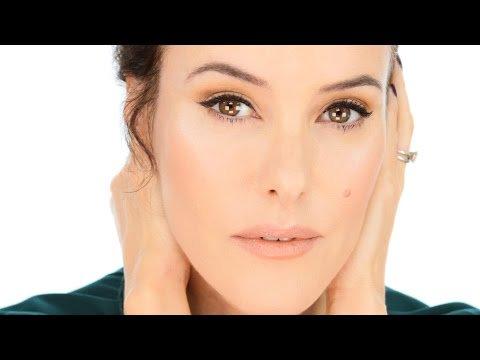 Universally Chic Makeup Look #MakeUp #LoveYouLisa