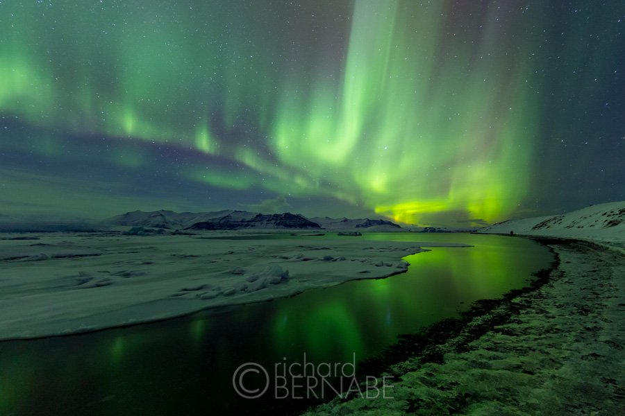 Silent night: All is calm, all is bright. #merrychristmas #Iceland #photography https://t.co/AEunx43Ulv