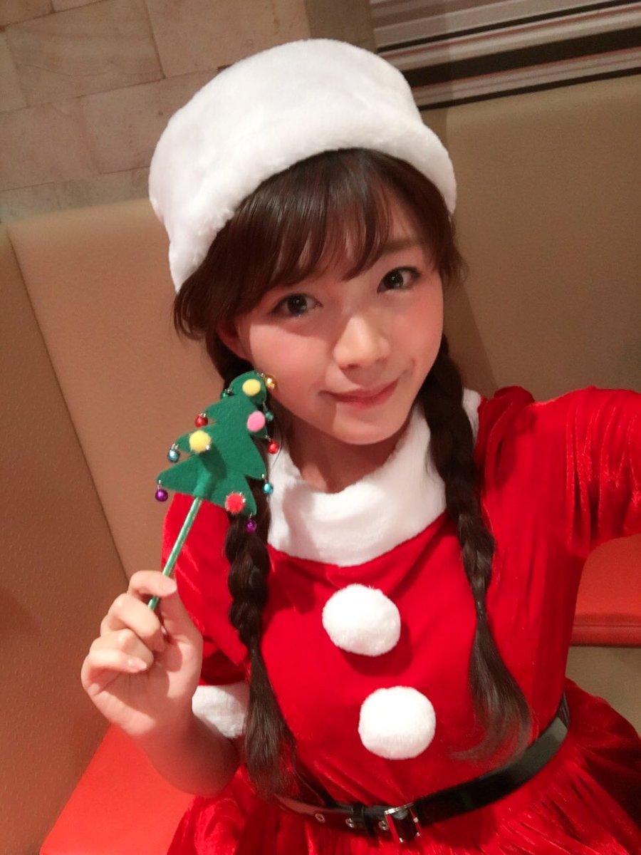 改めまして、みなさまメリークリスマス(o^^o)事務所のみんなとクリスマスパーリーしてきたよ♪今年もまたまたシャンパンでホロ酔いです♪ミルキィの大薩摩紀行見てくれたかなぁー? pic.twitter.com/xNhpzfu8N0
