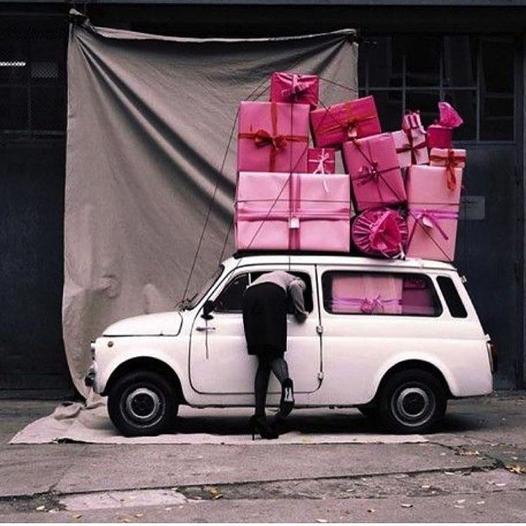 Pink presents, yes please 🙌🏼 https://t.co/LslEYMgA24