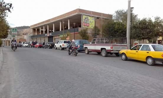 @webcamsdemexico Asi las filas en la unica gasolinera que habia. Hoy ya no hay desde San Juan de los Lagos, Jalisco. https://t.co/x6yB90xoKa