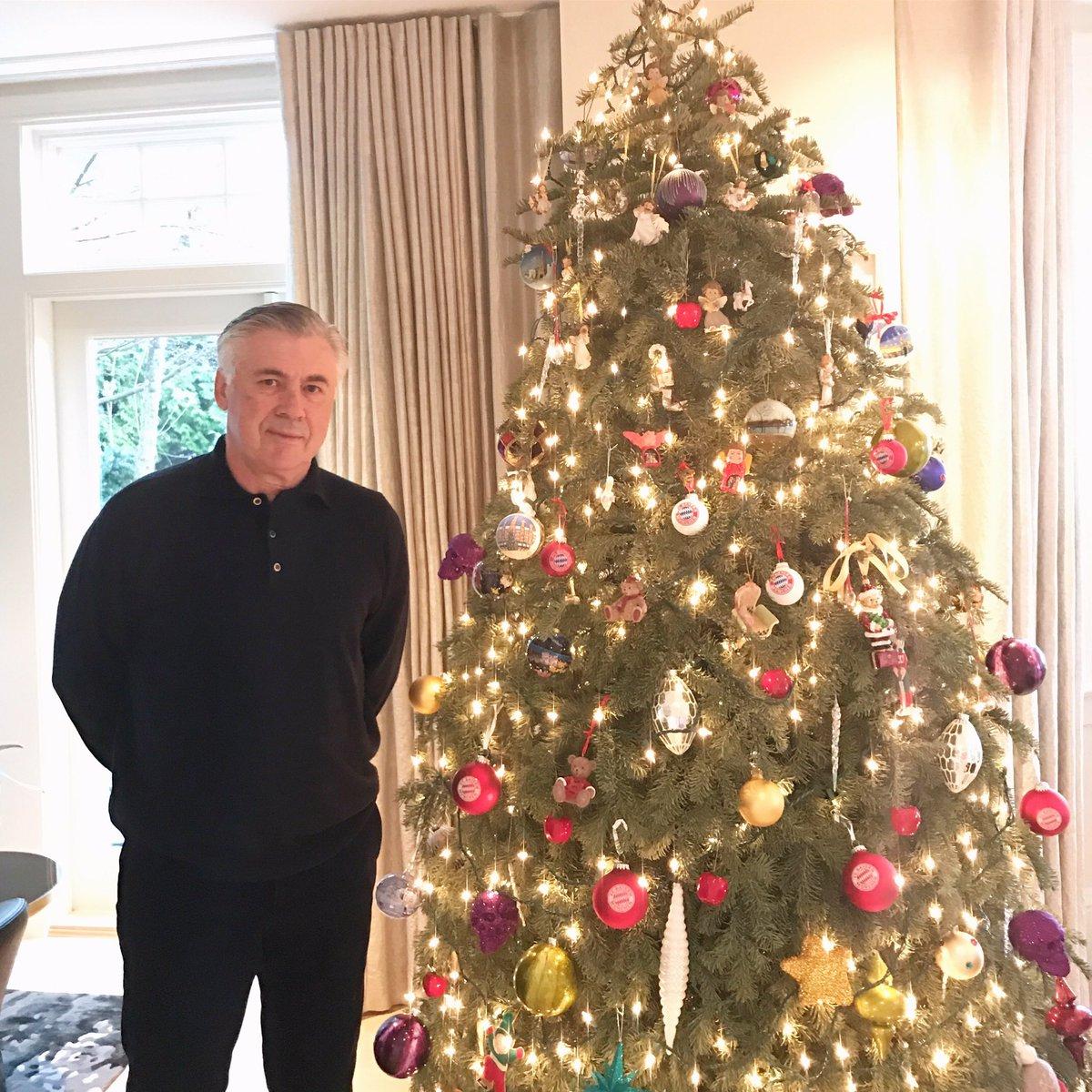 "Carlo Ancelotti on Twitter: ""Buon Natale! Merry Christmas! Frohe  Weihnachten! Feliz Navidad!… """