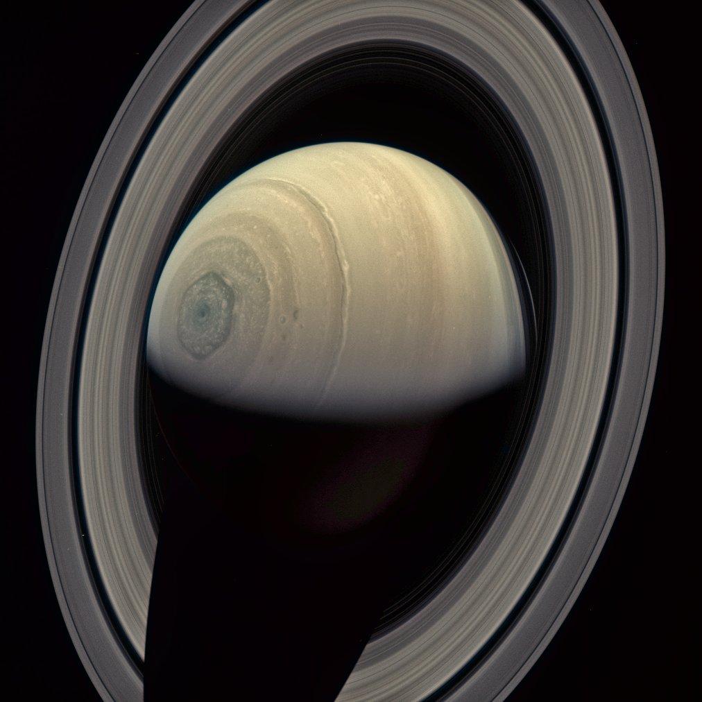 свежие фото сатурна ведь никто