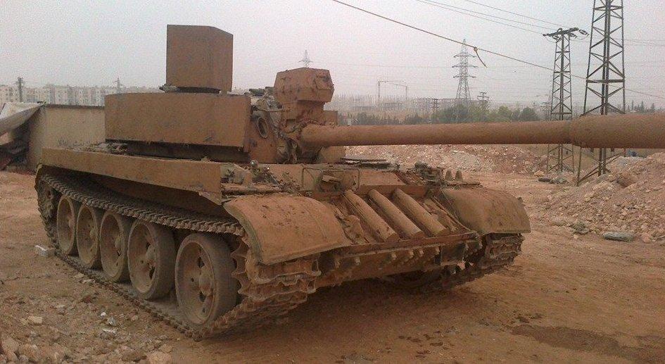 الدبابه T-55 السوريه ودورها في الحرب القائمه هناك  C0eqjsQVEAA8JK7