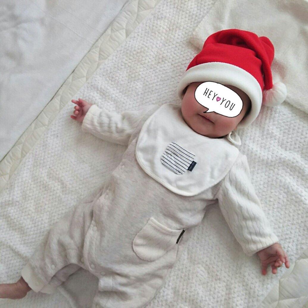 メリークリスマス! うちの小さいサンタ。 とんがり帽子のメモルを思い出しました(*´ω`*)