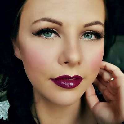 Bold Lip Natural Eye Fall Makeup Look by Danielle S