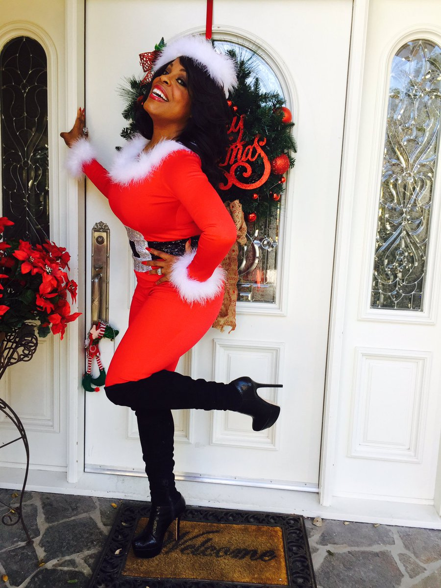 niecy nash on twitter coming thru for christmas like. Black Bedroom Furniture Sets. Home Design Ideas