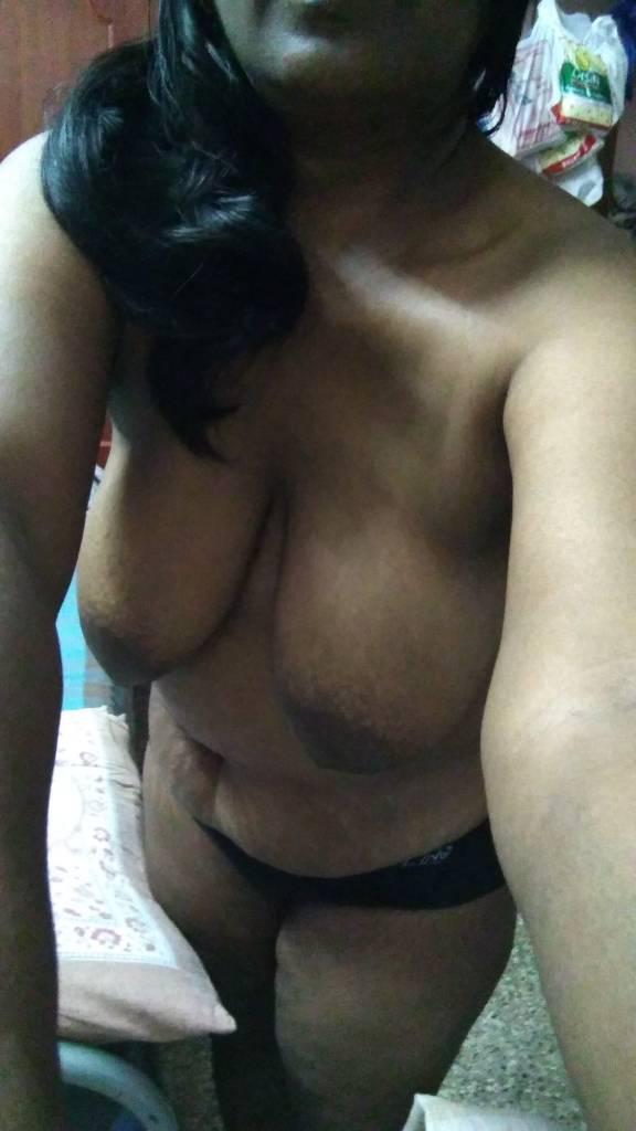 Nude Selfie 9982