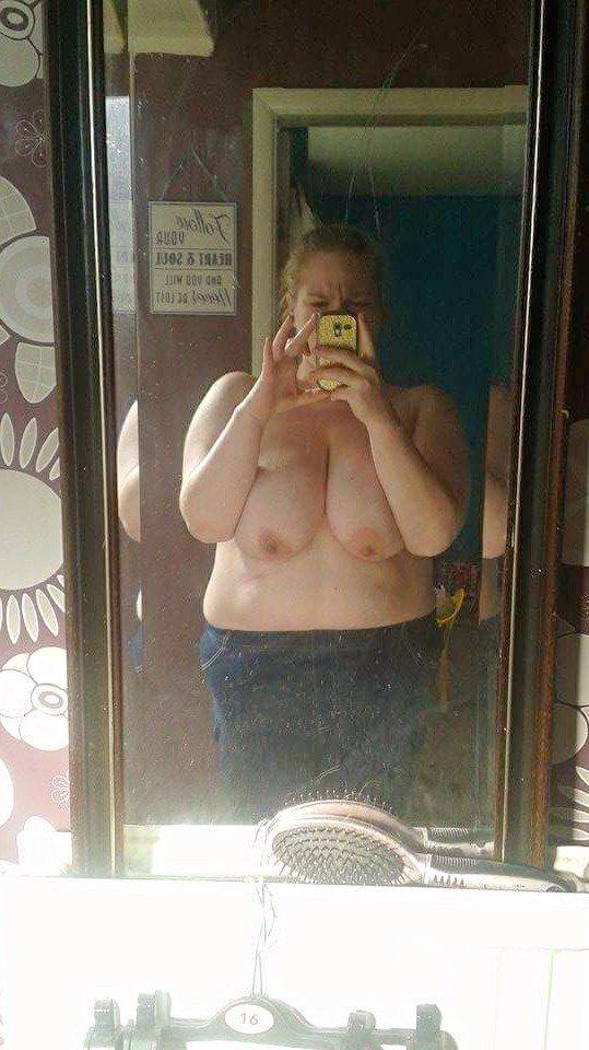 Nude Selfie 10012