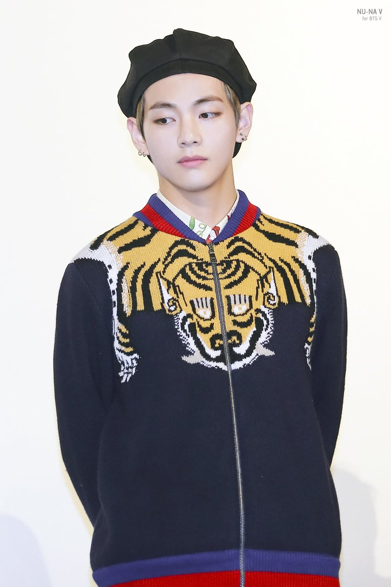 taehyung-outfit-chaleco