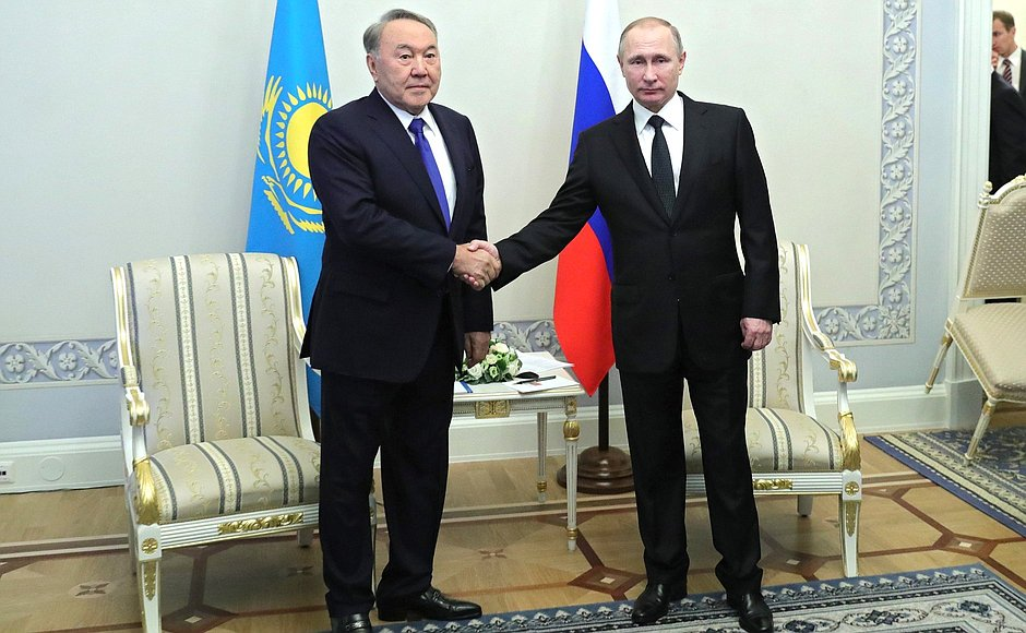 Putin has met with Nursultan Nazarbayev ahead of the Supreme Eurasian Economic Council meeting