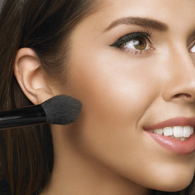 How to: Elegant Black Tie Makeup