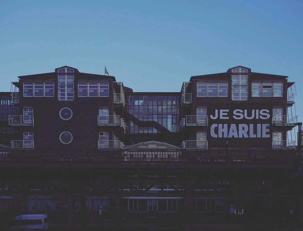 Damals, als sich alle Charlie genannt haben.  #hamburg #visithamburg #hhcity #hamburgliebe…  http:// ift.tt/2ivOe24  &nbsp;  <br>http://pic.twitter.com/BtJRBQVx9y
