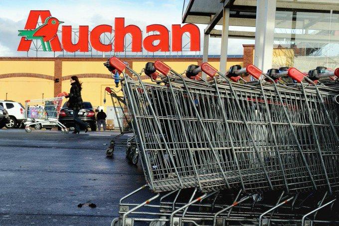 Une caissière fait une fausse couche à son poste, la direction la sanctionne #Auchan #Tourcoing > https://t.co/b9M8FSrlcq