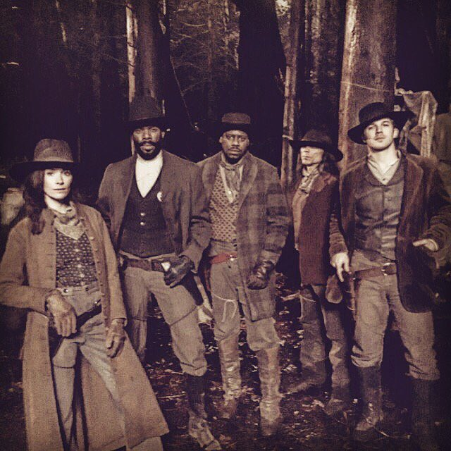 Happy Holidays from our gang to yours. #Timeless returns on @nbc January 16th. Gather round. https://t.co/J32fszQ9Vb