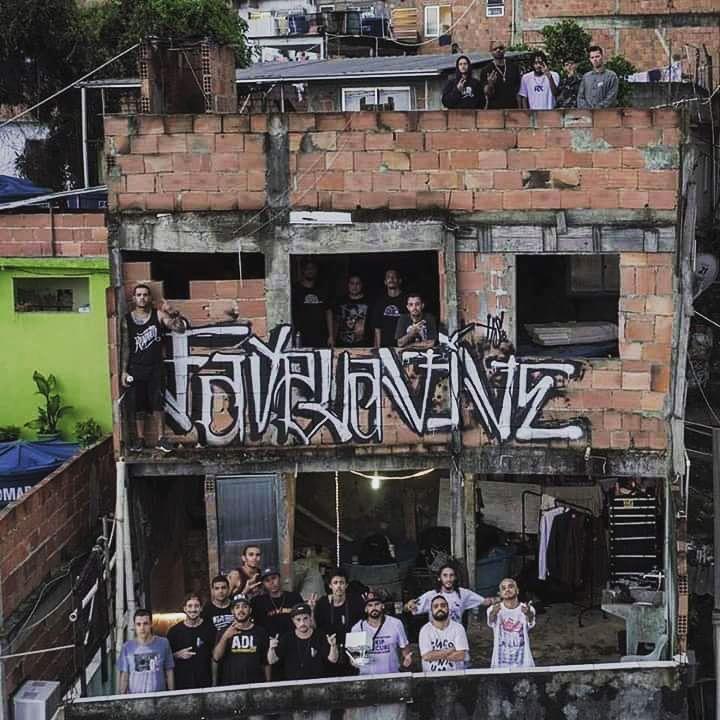 Resultado de imagem para favela vive