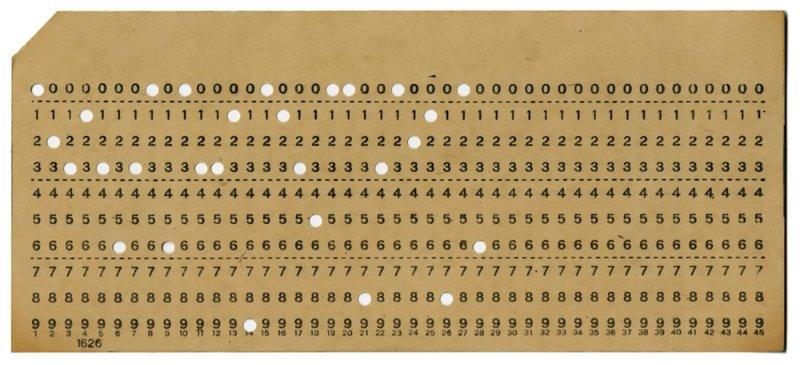 Nos pilla un poco lejos ahora pero inicialmente los computadores se alimentaban de instrucciones escritas en tarjetas perforadas :) https://t.co/i6bXzDQLLJ