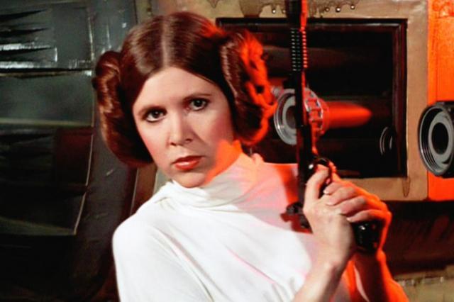 Atriz Carrie Fisher, a princesa Leia de 'Star Wars', morre aos 60 anos após sofrer parada cardíaca durante voo https://t.co/qcMrr2MfSR