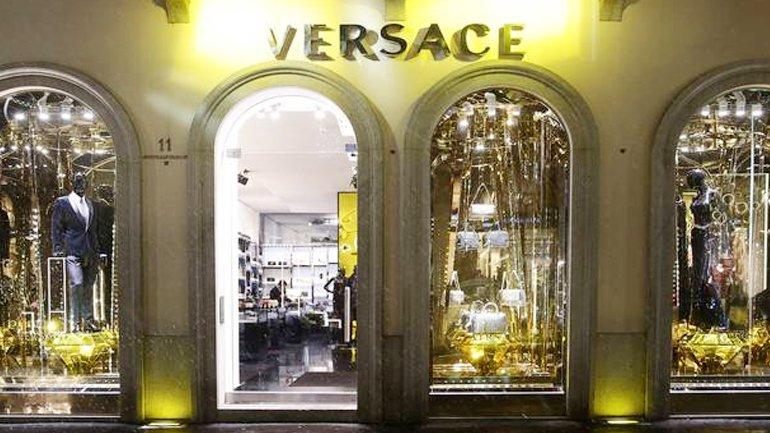 """Versace: Negozio di San Francisco usava il """"codice nero"""""""