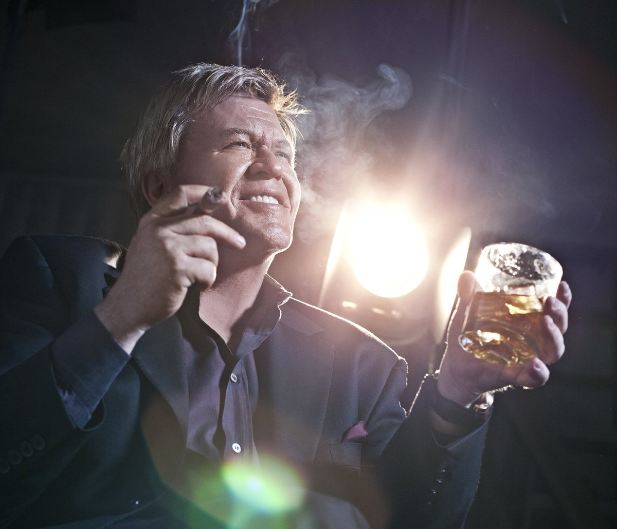 Start 2017 off right with @Ron_White! Retweet 'til 10PM for your chance to win 2 VIP tickets! Ready...set...go! https://t.co/K1wyMZxXH4
