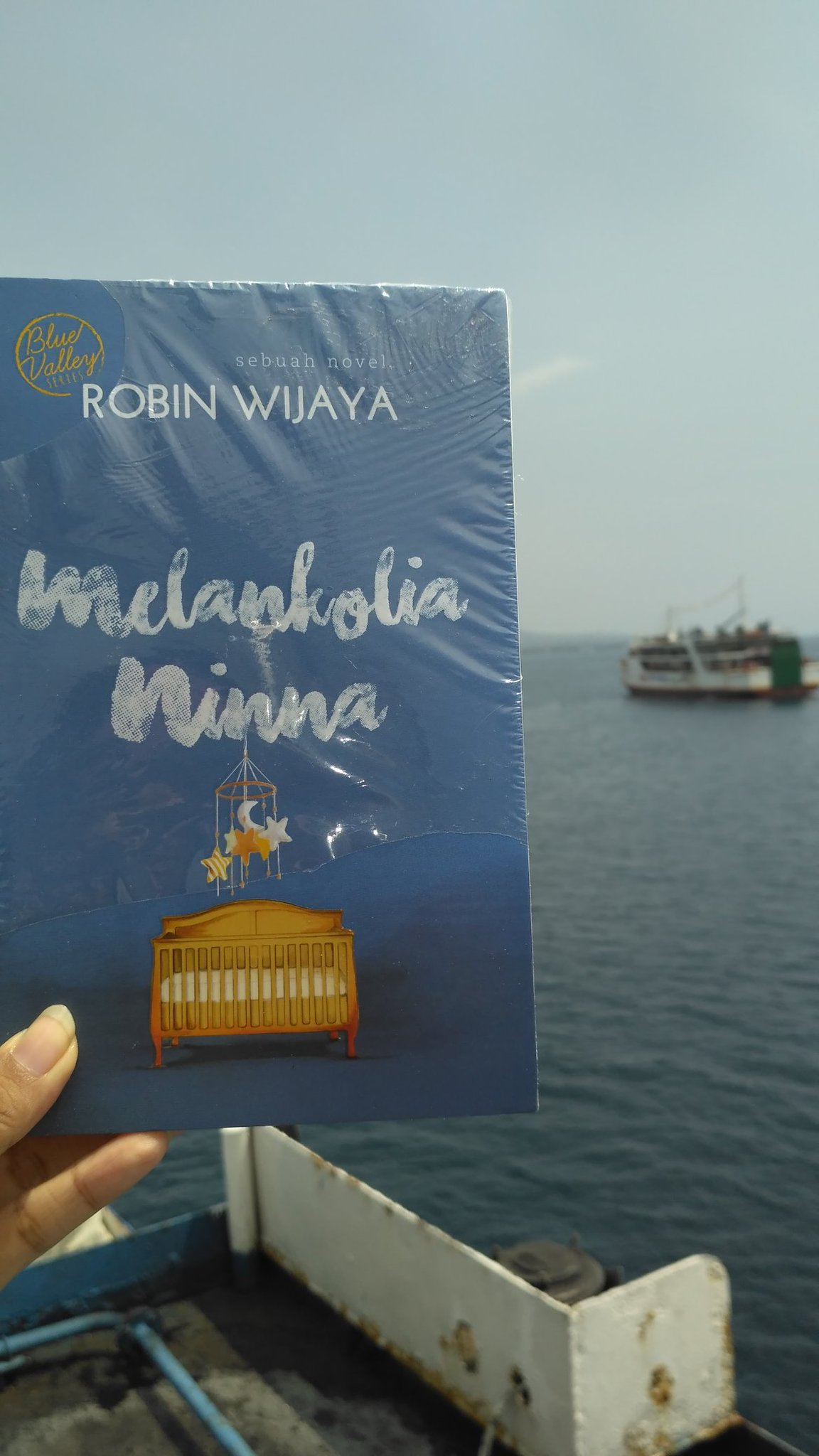 Review Novel Melankolia Ninna