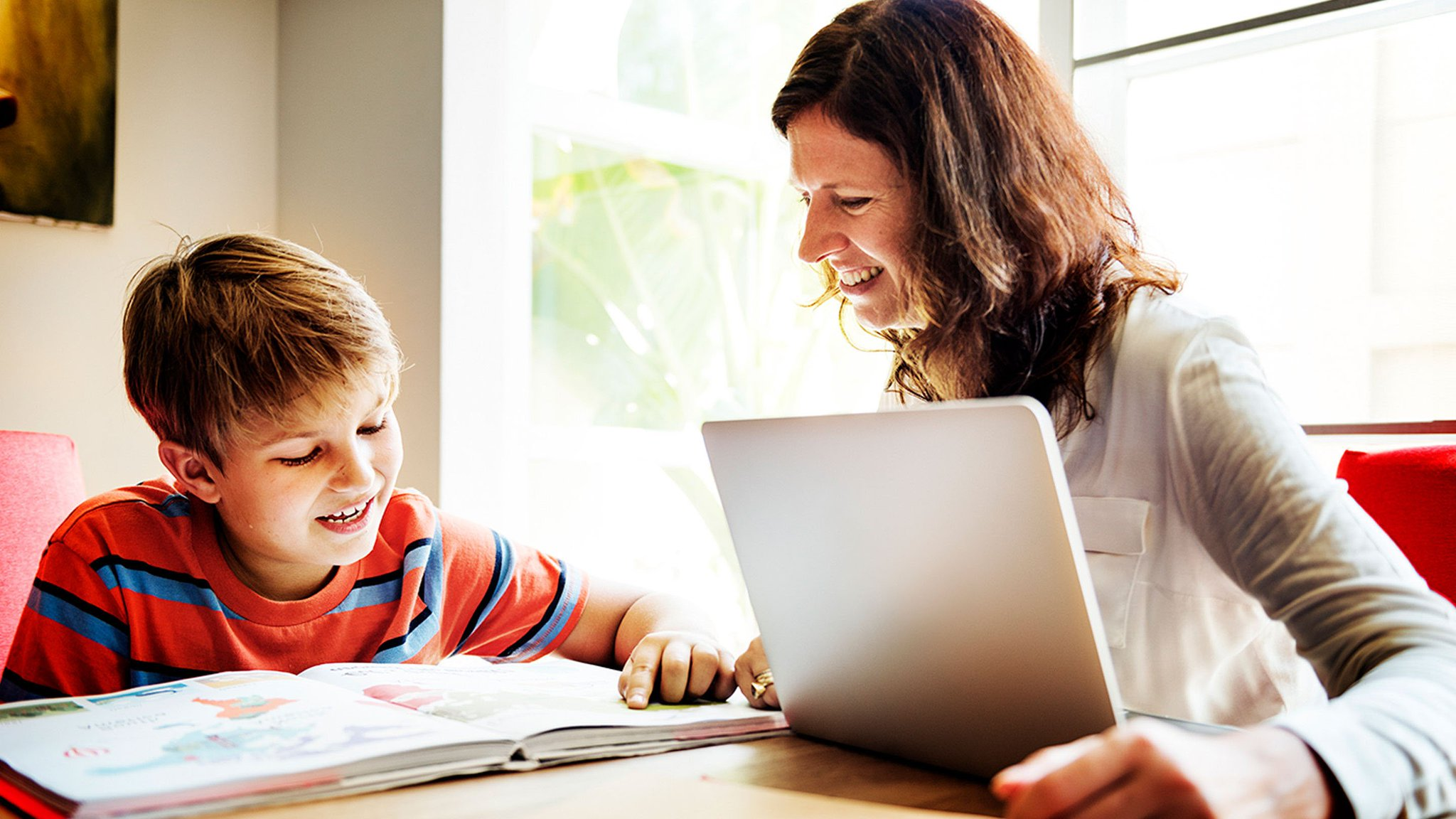 3 tech tips for parent newsletters: https://t.co/fT35C7FXB8. #ptchat https://t.co/V83iYCKUGe