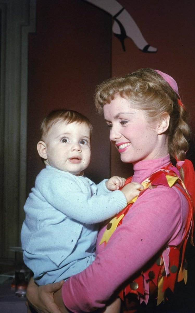 RIP Debbie Reynolds. So sad. Here are some lovely photos of her and daughter Carrie Fisher over the years.
