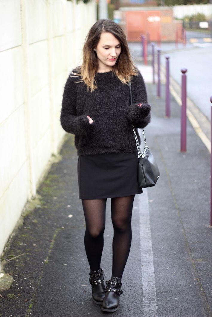 Le #pull #doudou est au top en ce moment ! @Yuliyamodeuse porte son modèle #babou à 12€ sur une #robe #noire à 12€  http:// buff.ly/2j7ymTz  &nbsp;  <br>http://pic.twitter.com/K5Jfyyeag1