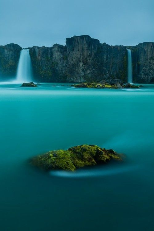 Waterfalls or The God - Iceland - its Amazing <br>http://pic.twitter.com/RTfigj7Hnm