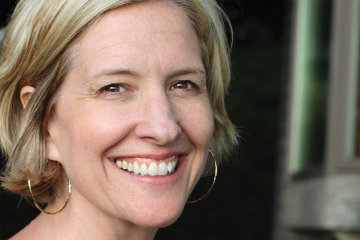 Brené Brown on Vulnerability and Courage https://t.co/an6gGhK36H Great interview on leadership with @BreneBrown https://t.co/izeeKwXIOP