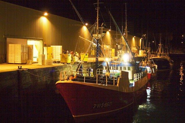 L'interdiction de la pêche en eaux profondes entre en vigueur aujourd'hui  http:// bit.ly/2jn5Me9  &nbsp;    via @franceinter #environnement <br>http://pic.twitter.com/9u15YJNj0g