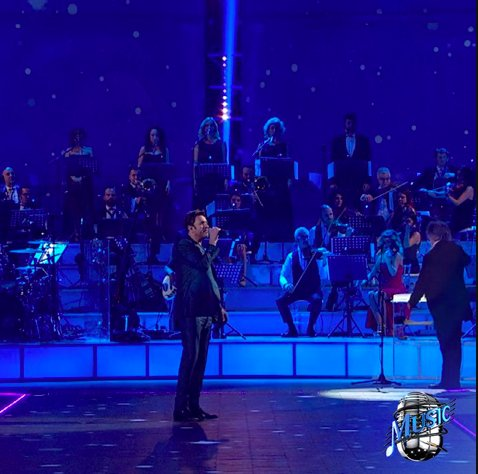Amazing performance from Simon on @MUSICMEDIASET tv show last night! h...