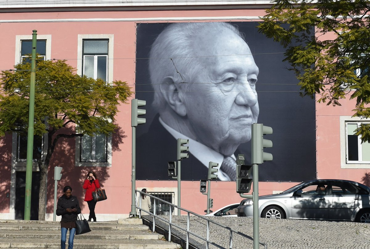 Chinese President Xi Jinping sends condolences over death of former Portuguese President Mario Soares
