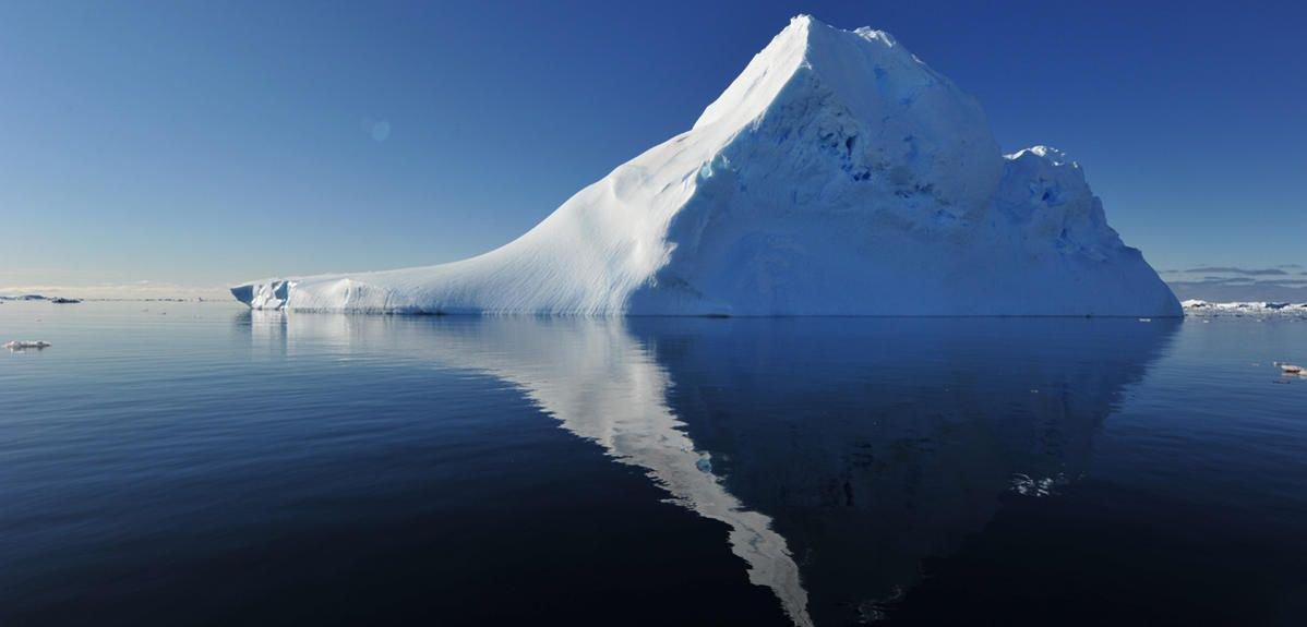 [Diaporama] Icebergs, la face cachée des géants des glaces  http:// bit.ly/2jqFjey  &nbsp;   #CNRSleJournal <br>http://pic.twitter.com/hr4zK8y4HK