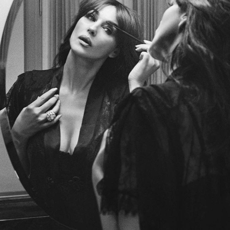 Monica Bellucci guapa con sensualità! Foto Instagram Twitter fa impazzire i Social Fan | Glamour Fashion Model