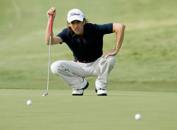 Crouching golfer. Hidden saxophonist. https://t.co/fGG42SlhX5