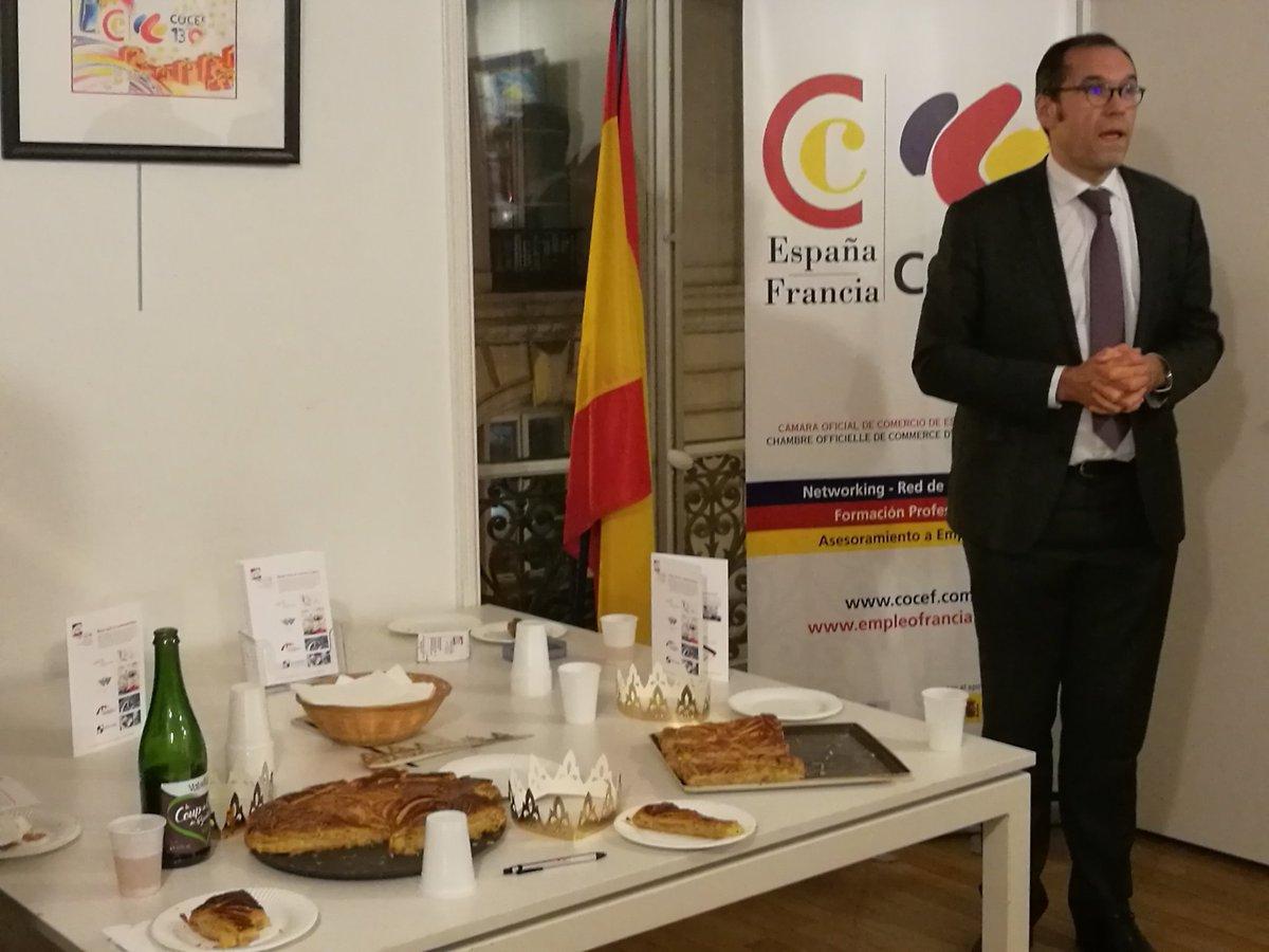 Voeux du Pdt COCEF @JoseMichlGarcia «Bonne année,bcp #détermination»! Merci Mme Delacre #Exposition  #oeuvres &amp;réalisation carte voeux COCEF<br>http://pic.twitter.com/2nHXIzLDAY