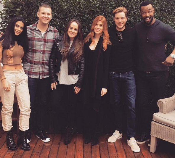 New #MeltingPot @iHeartRadio w/ cast of @ShadowhuntersTV! Listen on-demand: https://t.co/aHAwPRrApb https://t.co/gUGo3Pg3gg