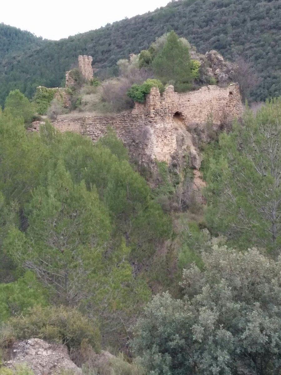 ... en el #paseo de hoy también una mención especial para el #Castillo de #Jinquer del #DespobladodeJinquer  !que señorial! #SierraEspadan <br>http://pic.twitter.com/EiNElXqQeM