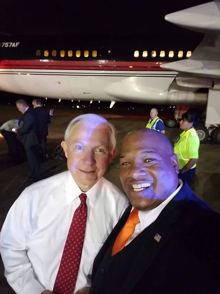 My friend &amp; Patriot @SenatorSessions  worked to DESTROY the HATE GROUP KKK..! It is FOOLISH to believe he supports them. #Sessions <br>http://pic.twitter.com/4tMVEq9ofd