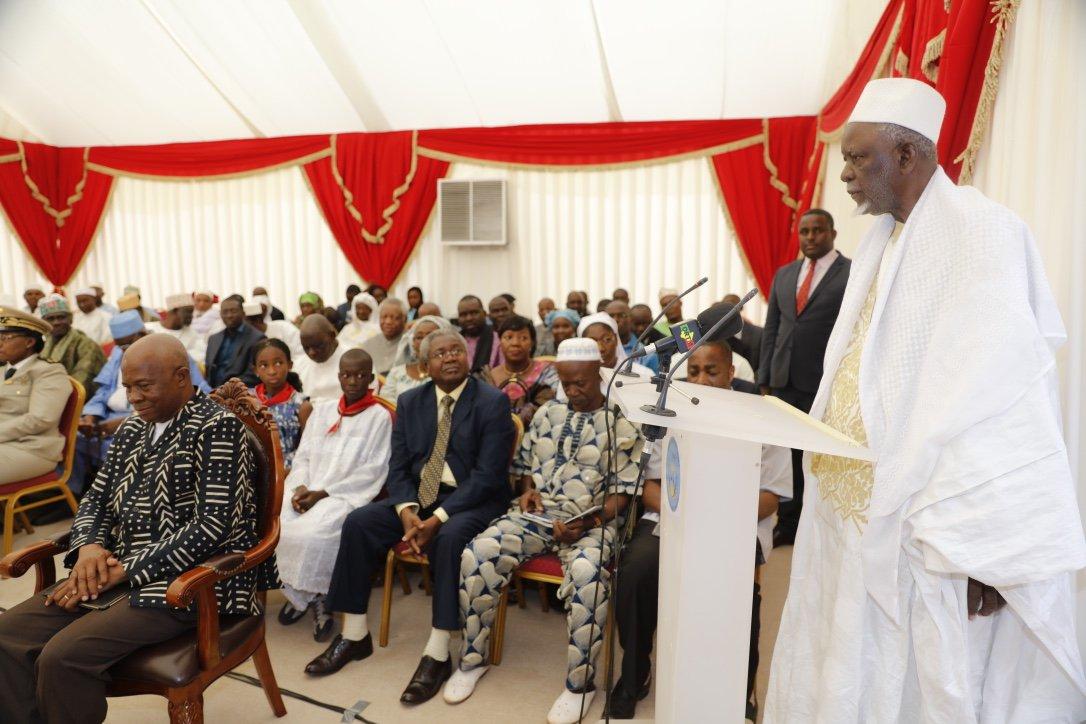 #NouvelAn2017 - Le Président #IBK a reçu ce mardi les voeux des Familles fondatrices de #Bamako et des leaders religieux du #Mali<br>http://pic.twitter.com/n9cJOernIF