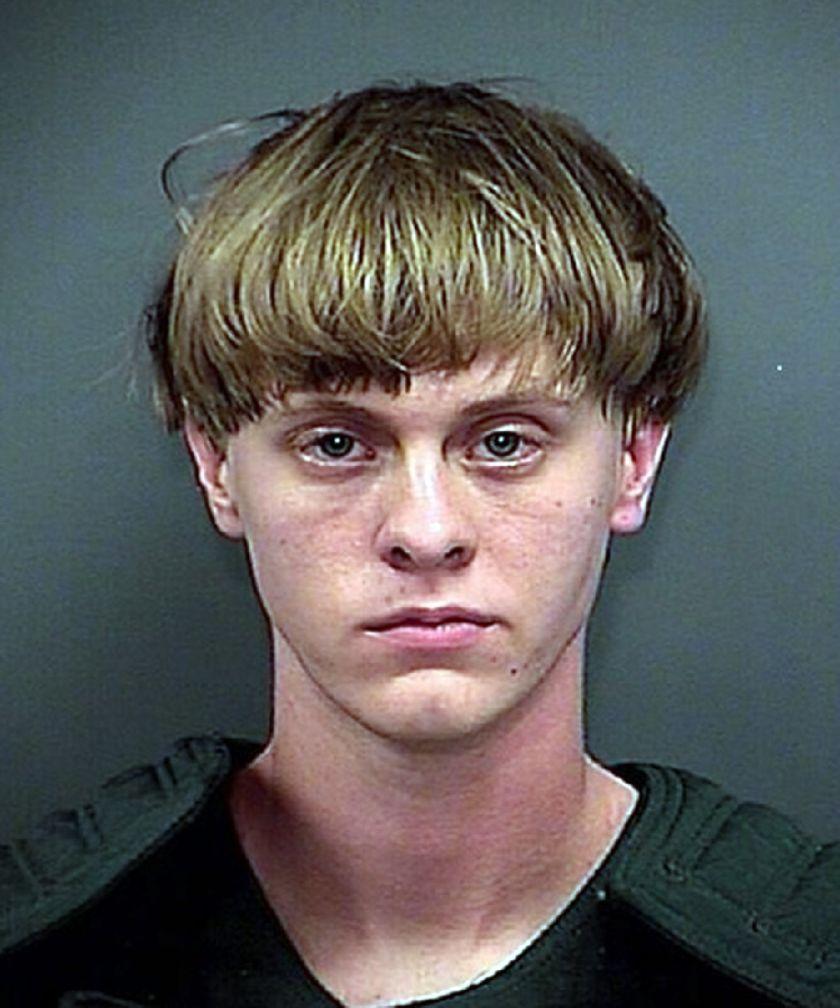 (Le Parisien):États-Unis : #Dylann #Roof condamné à mort pour ses neuf meurtres racistes..  http://www. titrespresse.com/article/960459 1612/dylann-roof-etats-unis-condamne-meurtres-racistes &nbsp; … <br>http://pic.twitter.com/HSHcH492tQ