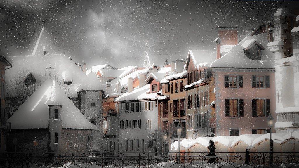 #DonneInArte x  #LeLuciDInverno  Annecy-Vieille-Ville un soir d'hiver  @angela3nipoti1 @RitaCobix @MRita_Tarantino @lisamyway @cecilia_fava https://t.co/sbXMBxQMZO